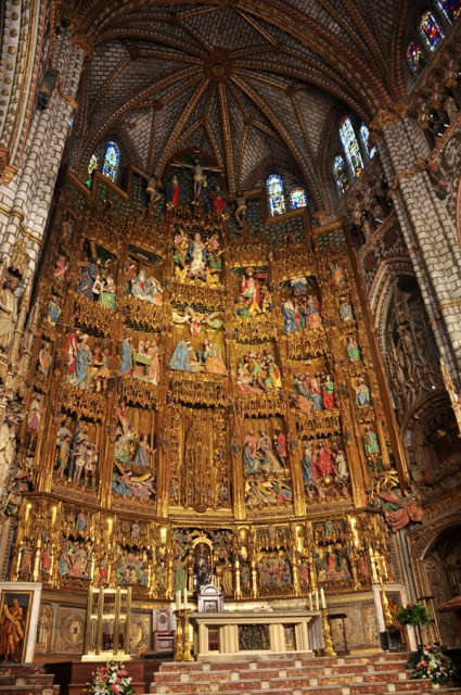 altar-toledo-cathedral