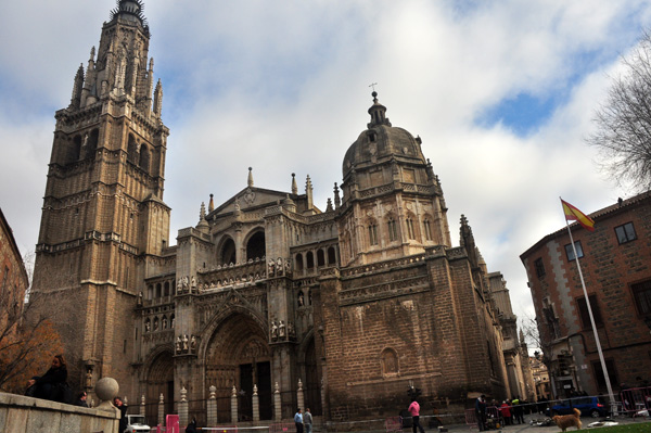 toledo-cathedral-outside