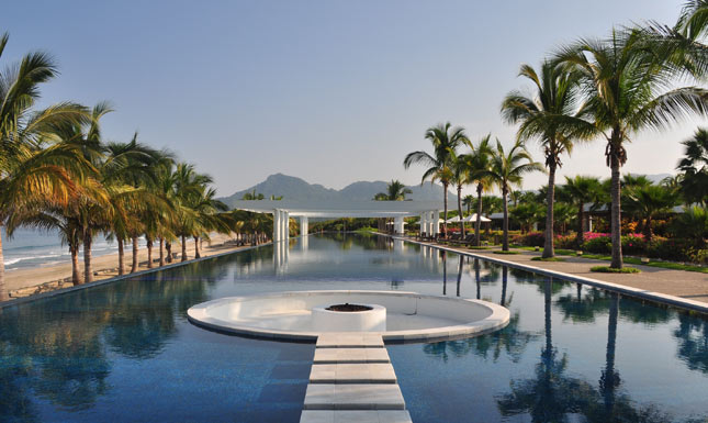 best luxury hotel puerto vallarta on the beach
