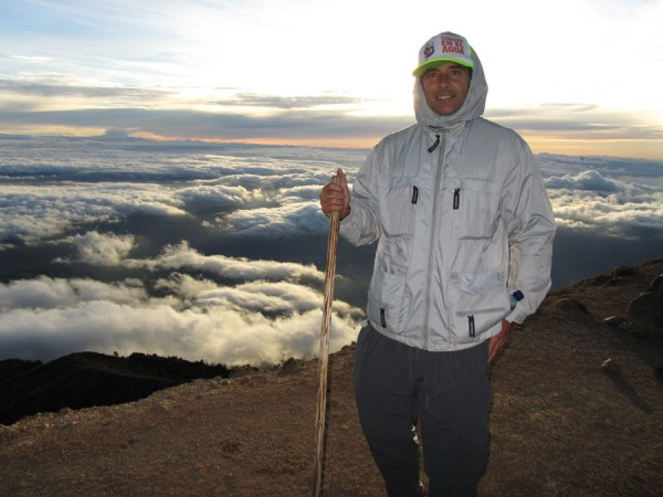 hiking acatenango volcano
